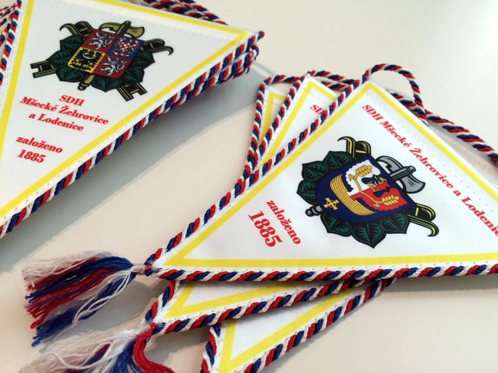 K výročí SDH jsme vyrobili 50 pamětních vlajek.